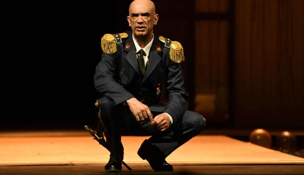 Lucio Hernández como Otelo