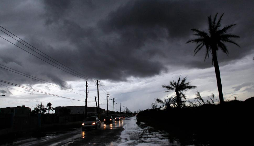 Al día de hoy todavía falta electricidad, el combustible es oro, los bancos no tienen dinero y el agua se raciona. Foto: AFP