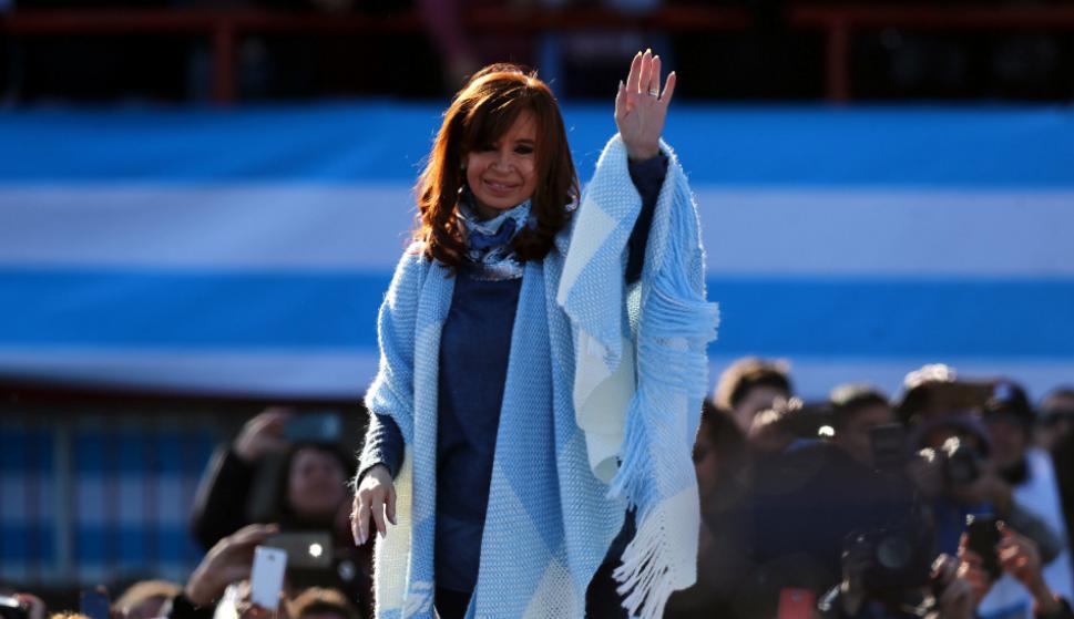 Cristina Kirchner: en las internas de agosto obtuvo apenas un 0,21%  votos más que el macrismo. Foto: Reuters