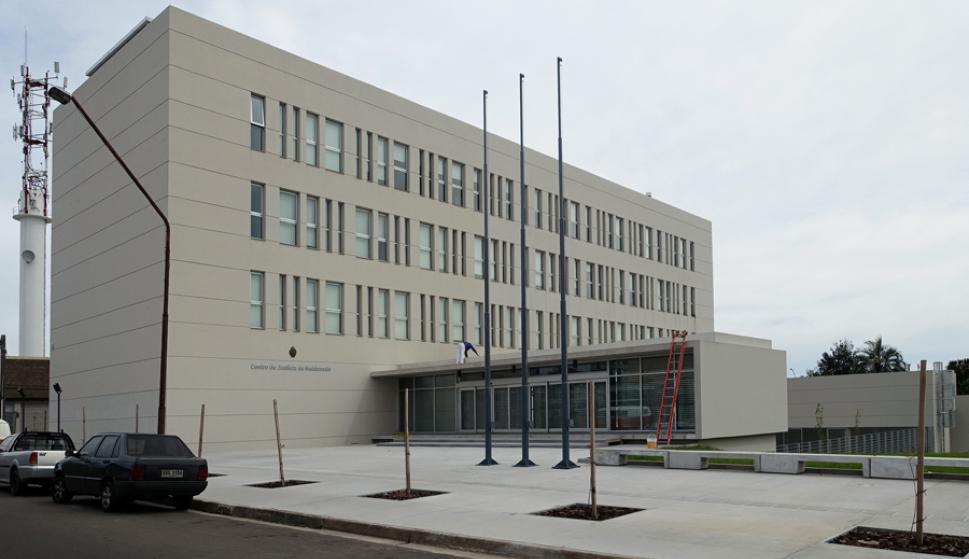 El edificio tiene más de 3.000 metros cuadrados de construcción. Foto: R. Figueredo