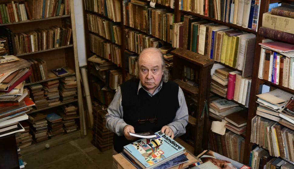 Roberto Cataldo es un veterano conocedor de libros raros y antiguos.