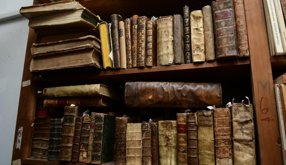 Librería El Galeón tiene secciones enteras dedicadas a libros antiguos.