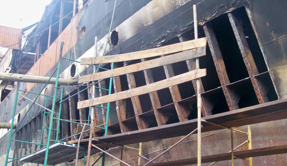 El buque ingresó a Dique Nacional en abril de 2013 y hoy está probando los sistemas en el muelle de armamento. Foto: El País