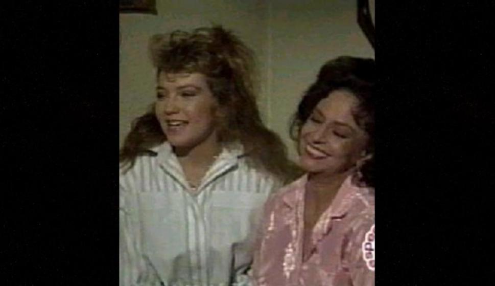 """Thalía fue en 1987 parte de la telenovela """"Pobre señorita Limantour"""" antes de estelarizar la esxitosa """"Quinceañera"""", al lado de Adela Noriega a finales de ese mismo año."""