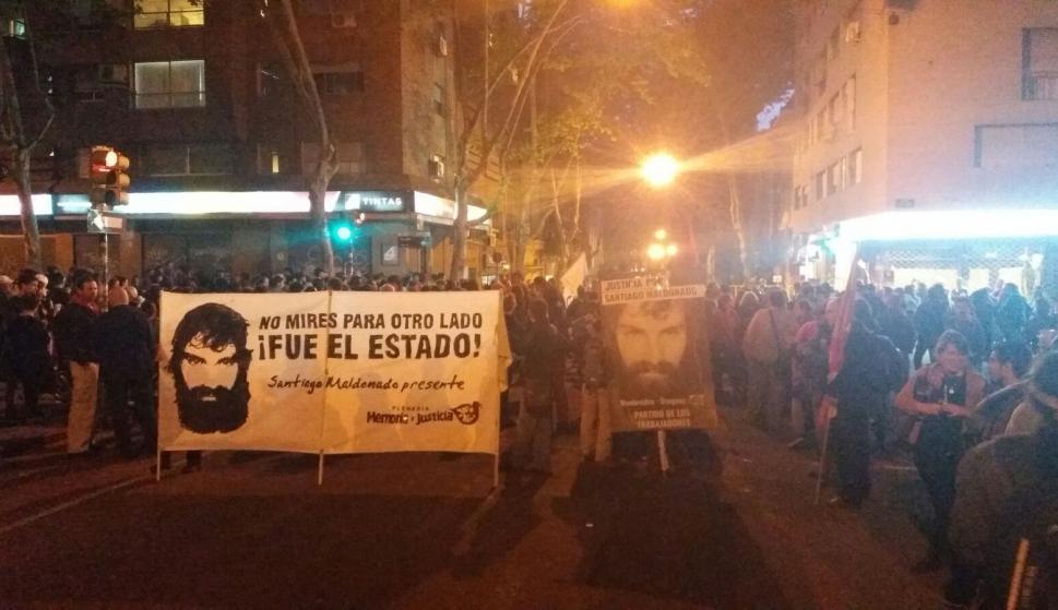 En la marcha hubo varios carteles con la cara de Maldonado pidiendo justicia. Foto: Gerardo Pérez