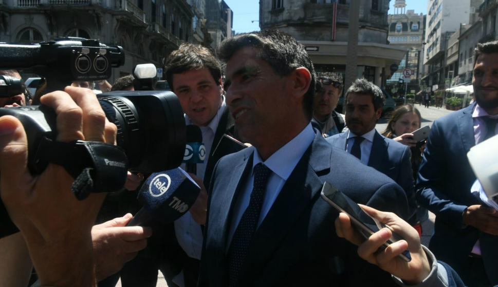 Raúl Sendic ingresa al juzgado de Crimen Organizado. Foto: Ariel Colmegna.