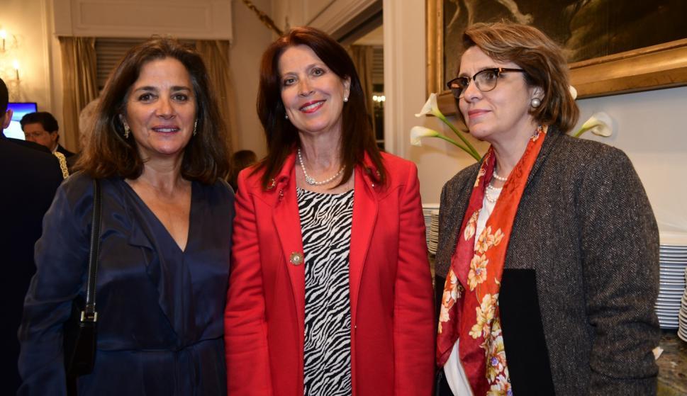 Ana Rita Bello, Paola Piccato, Ekaterina Labetskaya.