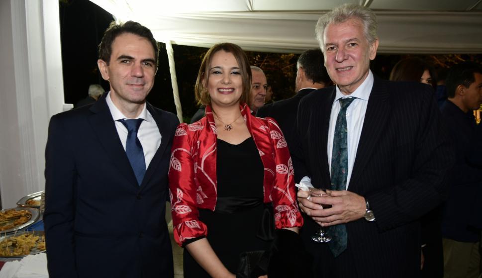 Javier y Analía Giz, Alberto Fajardo.