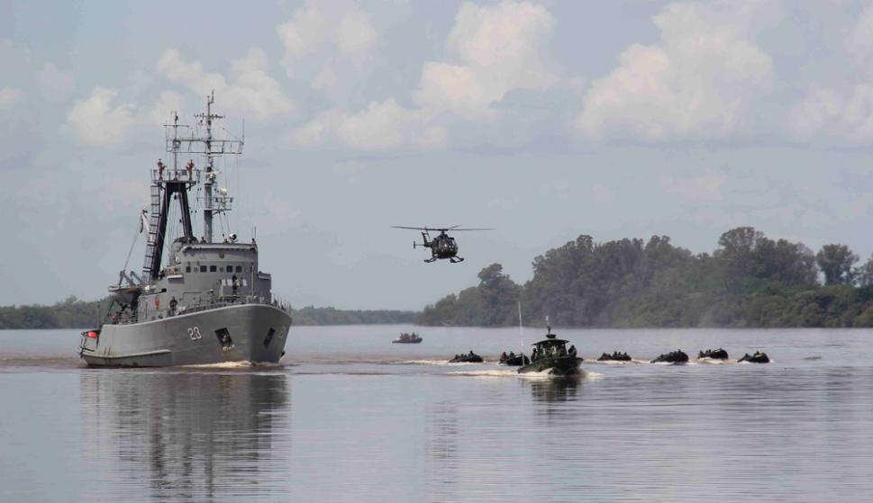 Río Revuelto: así se denominan los ejercicios militares que durante cuatro días llevan a cabo Argentina y Uruguay en el Río Uruguay. Foto: D. Rojas
