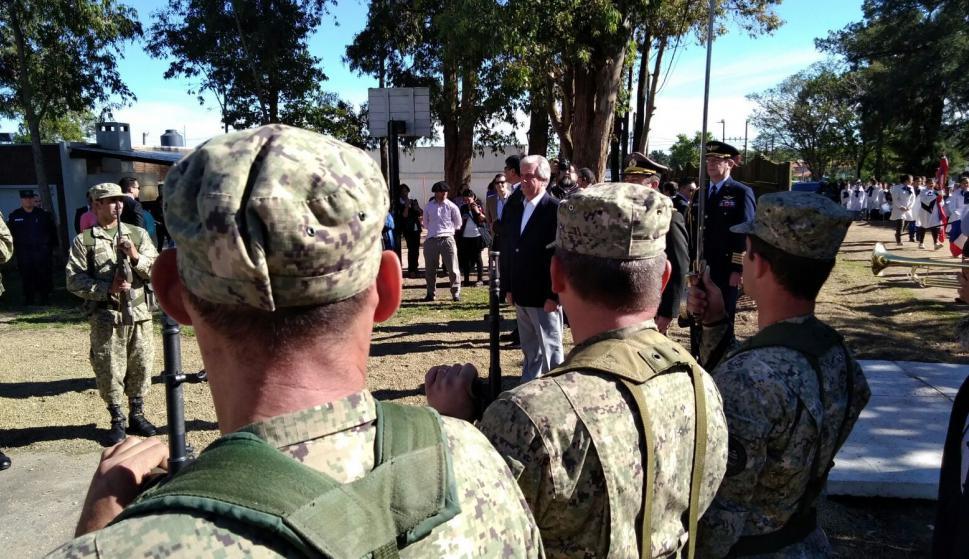 Tabaré Vázquez llegando al Consejo de Ministros en Flores. Foto: Darwin Borrelli