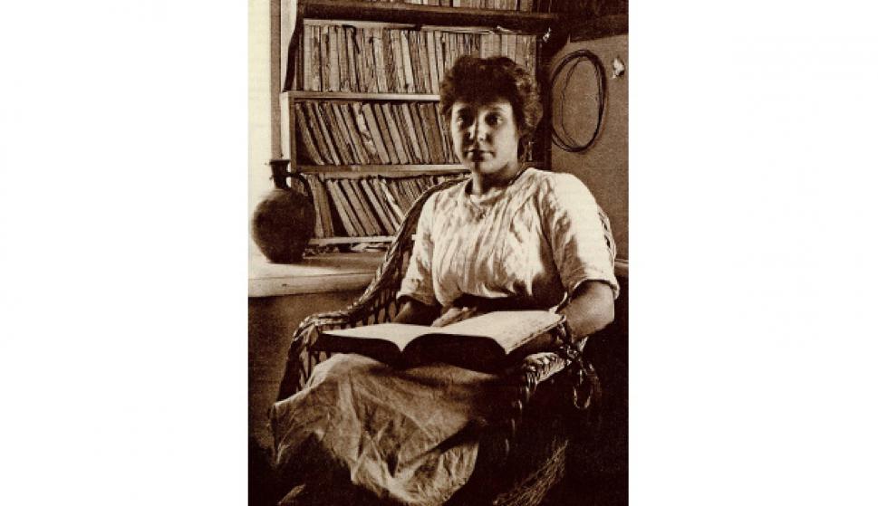 Tsvietáieva en 1911. Foto Max Voloshin.