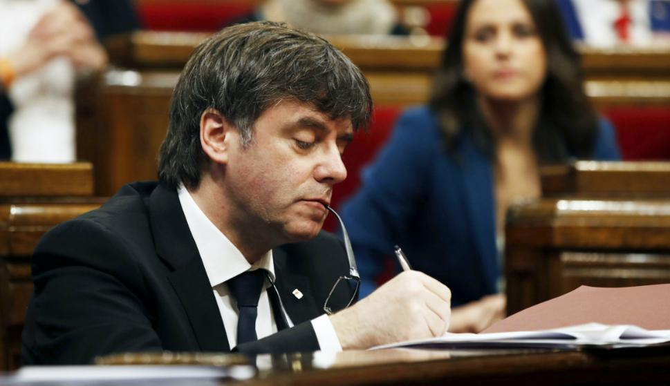El destituido presidente catalán Carles Puigdemont contrató en Bélgica al abogado Paul Bekaert. Foto: AFP