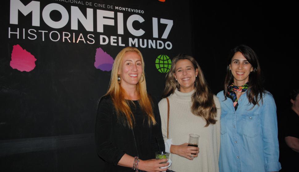 María Pía Muxi, Josefina Espiga, Verónica Tarigo.