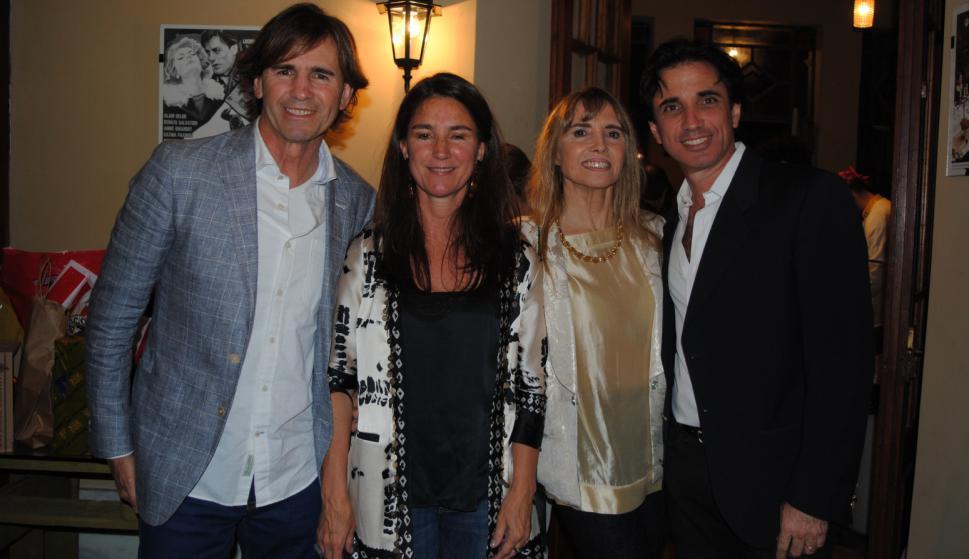 Felipe Etchagaray, Gabriela Sarciada, Betina Etchegaray, Santiago Smith Estrada.