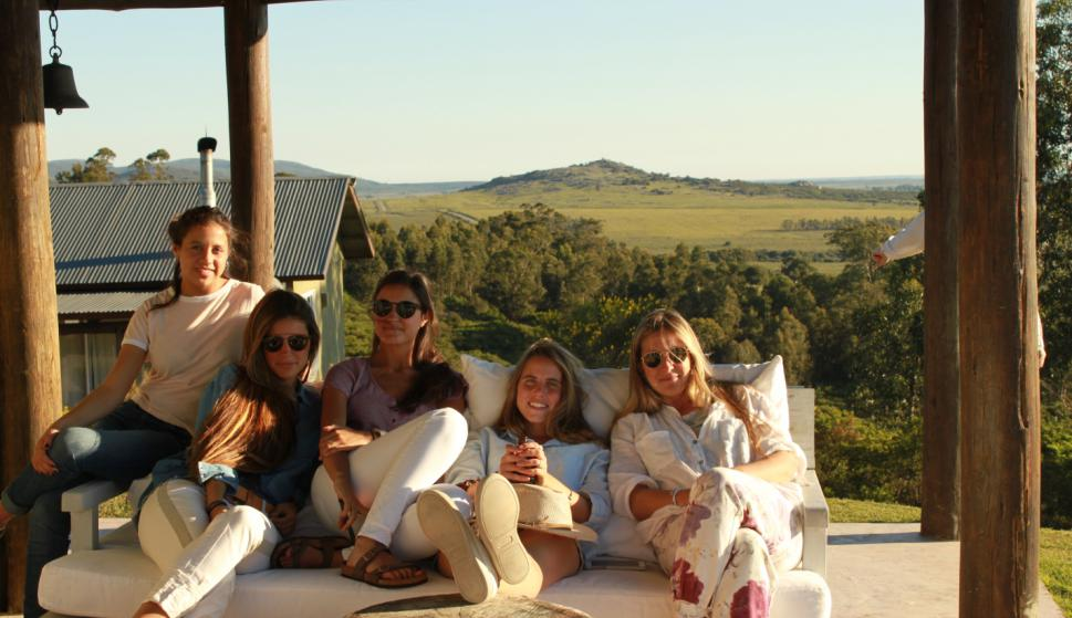 Federica Vargas, Ana Elena Lenoble, Victoria Vargas, Lucia Larrobla, Victoria Lenoble.