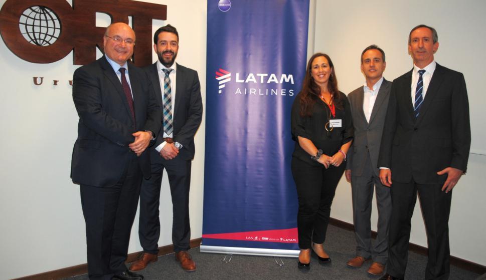 Gastón Labadie, Pablo Pequeño, Lucía Fernández, Javier Macías, Alejandro Moreno.