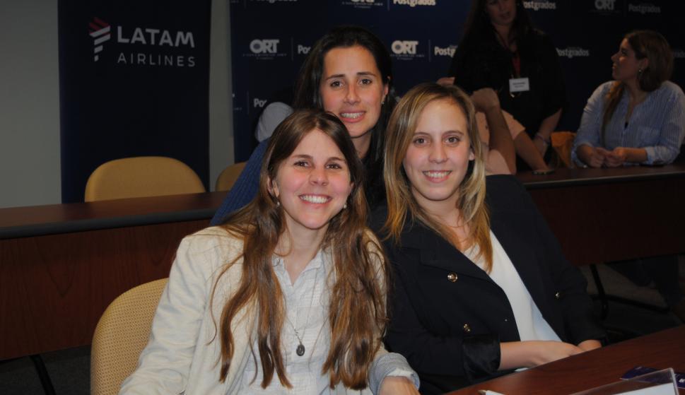 Ximena Alemán, María Laura García da Rosa, Fiorella Bergamasco.