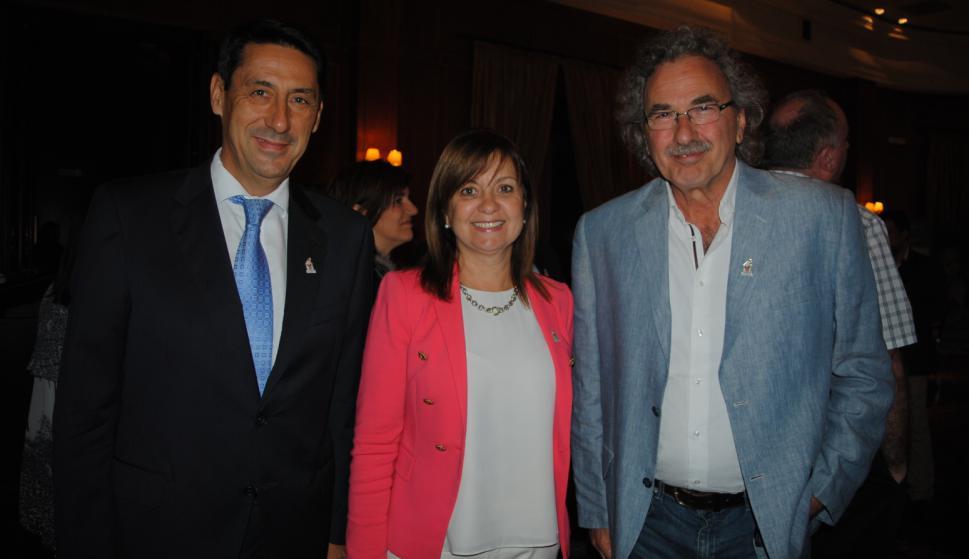 Antonio Alonso, Rosario Corral, Gonzalo Moreira.