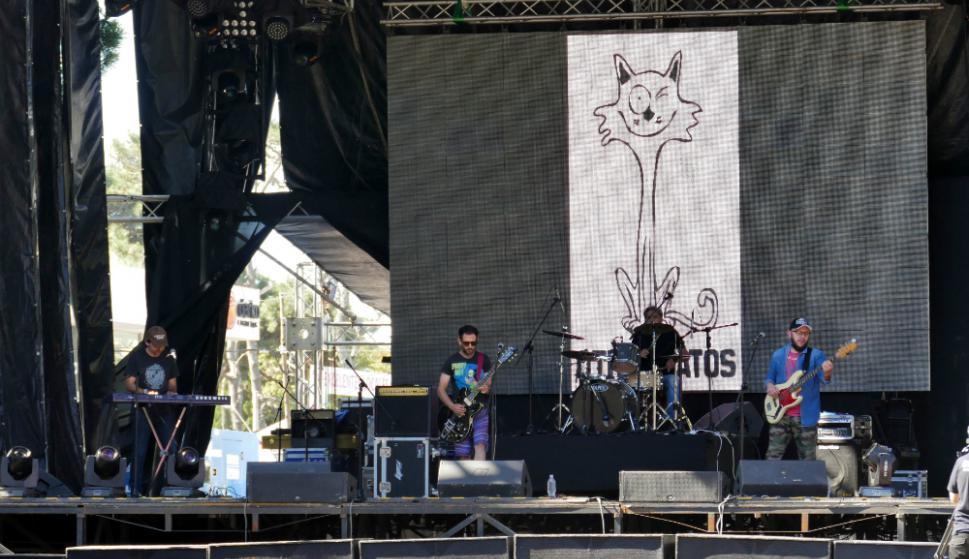 Otros Gatos: fue una de las primeras bandas en el escenario. Foto: R. Figueredo