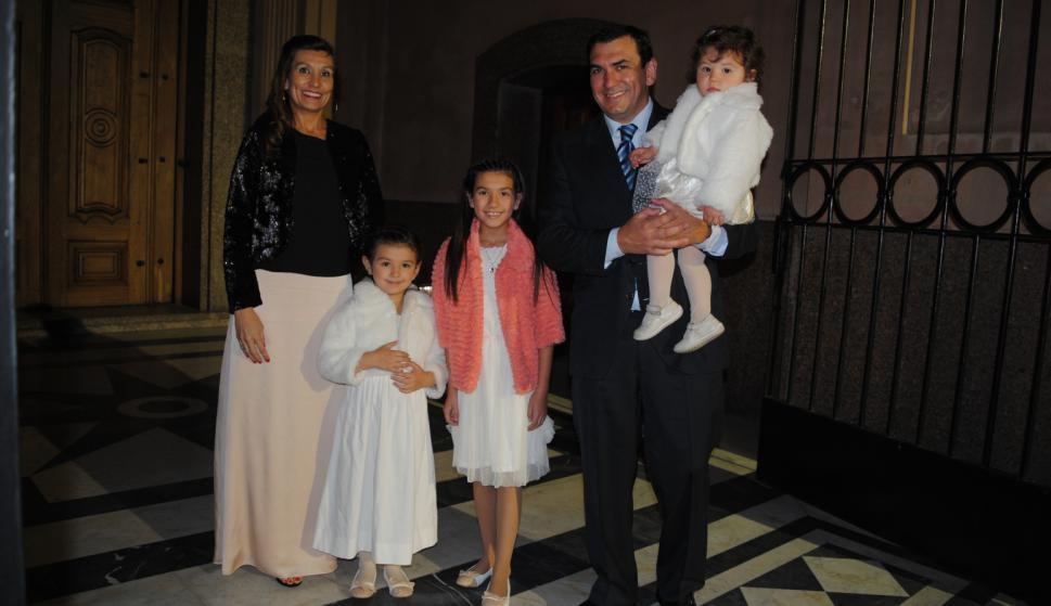 Andrea Cantiran, Sofía, Isabella, Jorge y Josefina Bussi.