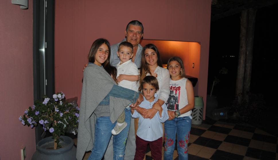 Carlos Páez, Mia, Alexis, Juan Justo, Justina y Violeta Guynot de Boismenu.