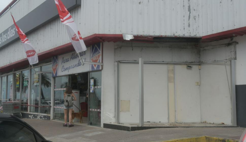 Explotaron un cajero en supermercado de Palermo. Foto: Francisco Flores