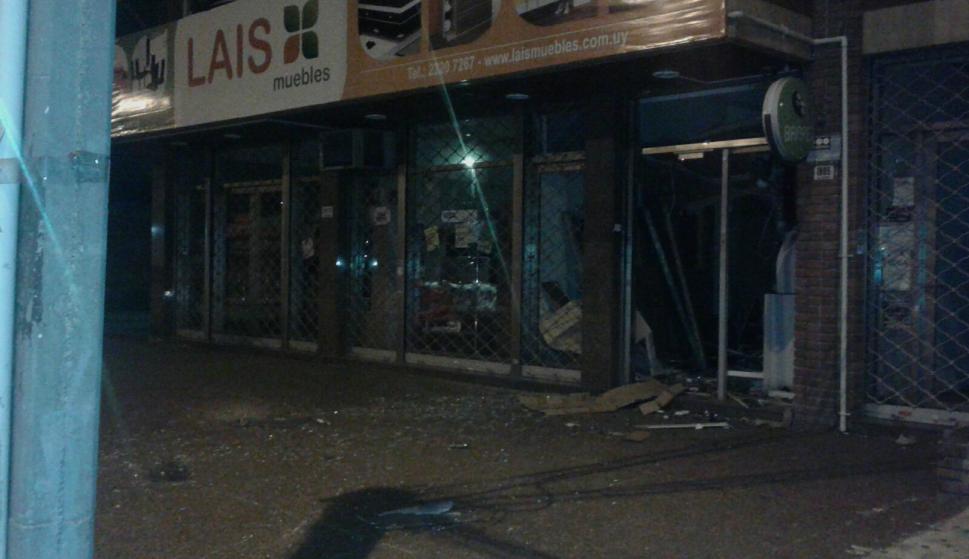Nuevamente intentaron hacer explotar un cajero. Foto: Policía Nacional.