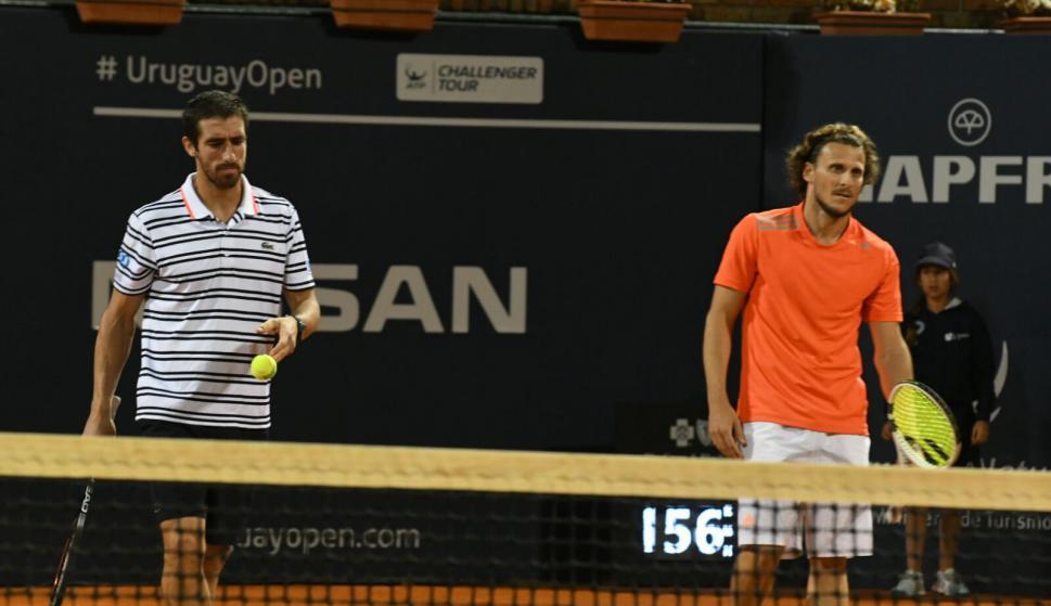 Pablo Cuevas, Guido Pella, Diego Forlán y el humorista Martín Bossi en una exhibición del Uruguay Open. Foto: Darwin Borrelli