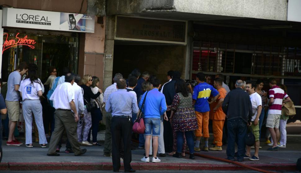 Al menos 25 evacuados y siete hospitalizados por un incendio en Montevideo
