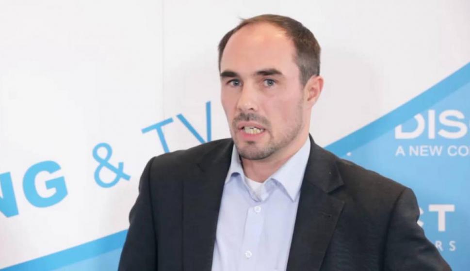 """Gerald Aigner se fue de la compañía en el 2006. Fue miembro del equipo directivo de Google, a cargo de las negociaciones del centro de datos y de la línea de Internet. Ahora es una """"profesional independiente de internet"""", según su perfil de Linkedin. tamb"""