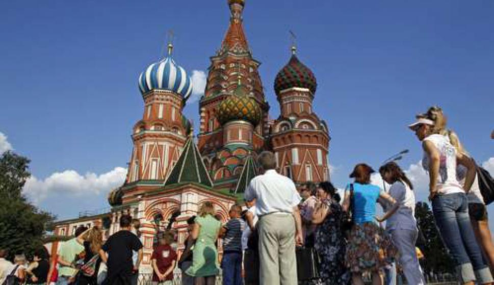 Población total. Si bien el último censo realizado en el país ruso se hizo en el 2010 en el que se registraron 142'849.449 personas, el número de habitantes que se tiene actualizado es de 144'342.396 personas. (Foto: AFP)