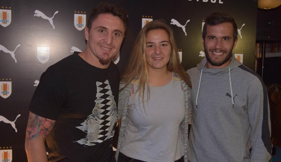 Cristian Rodríguez, Deyna Morales y Álvaro González. Foto: Ricardo Figueredo