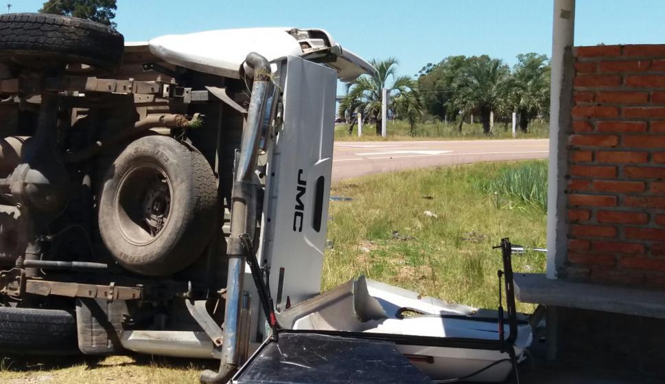 El teniente coronel Jorge Menéndez viajaba en la camioneta accidentada. Foto: Luis Silva.