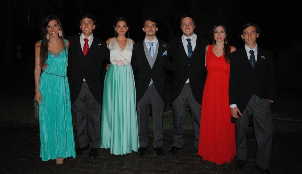 María, Ignacio, Federica, Tomás, Francisco, Agustina y Alejandro Dalla Rizza.