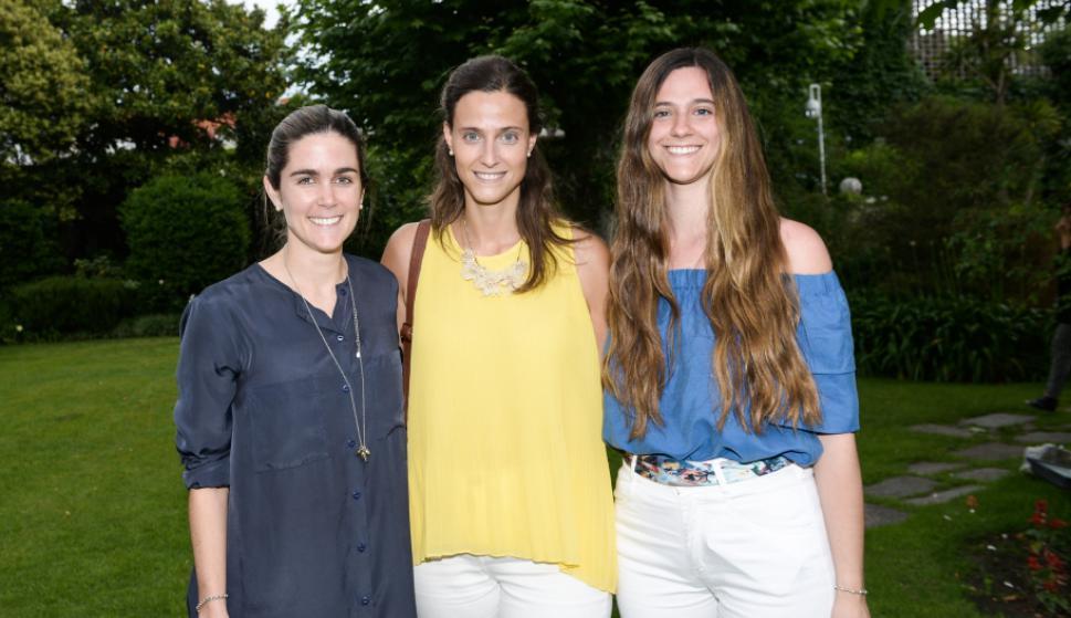 Florencia Hyland, María y Josefina Sanguinetti.