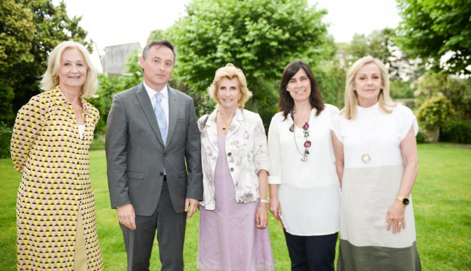 Natalie Scheck, Embajador de Reino Unido Ian Duddy, Julia Rodríguez Larreta, Soledad Aguirre, Magdalena Scheck.