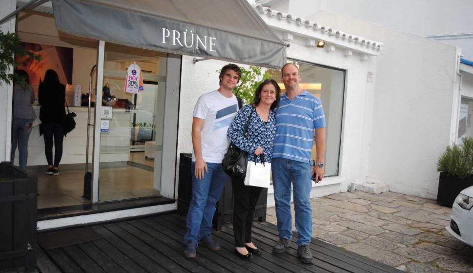 Sebastián Gauna, Gabriela González, Enrique Gauna en Prune.