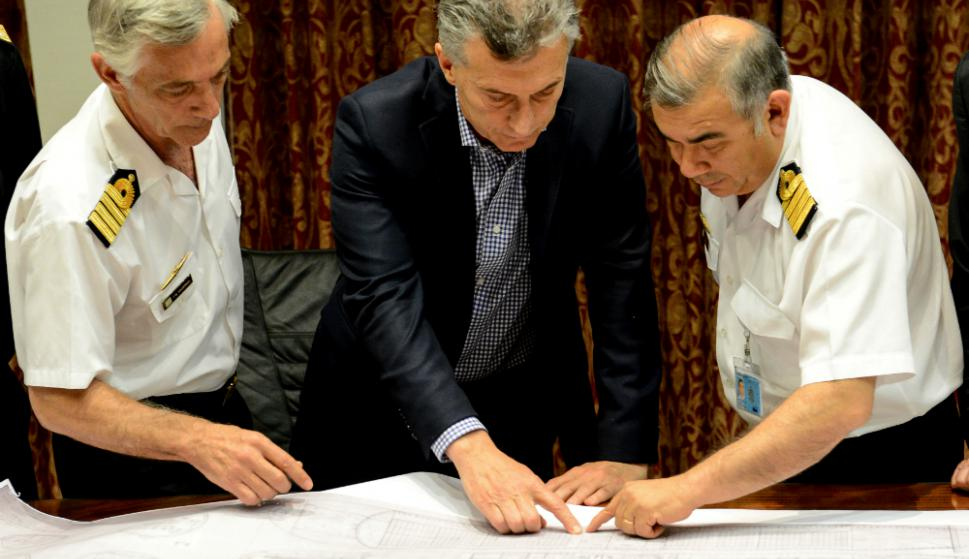 Macri se reunió con las autoridades navales por el operativo de búsqueda del submarino. Foto: Reuters
