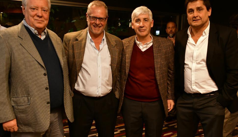 El presidente de Trouville, Álvaro Rodríguez, junto a Ricardo Vairo, el Cr. Marcelo Irastorza y Enrique Belo. Foto: Fernando Ponzetto