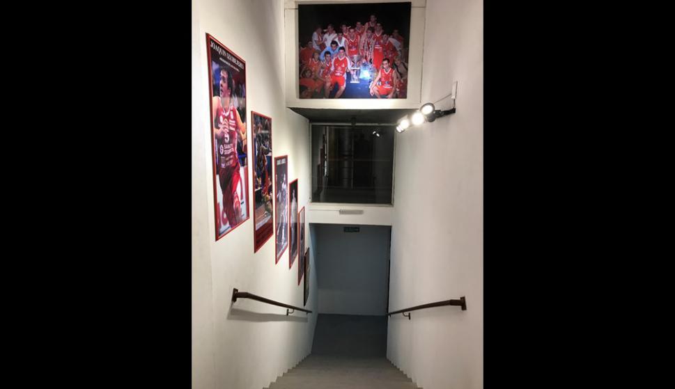 La escalera que lleva a las tribunas locales de Trouville. Foto: Emiliano Esteves