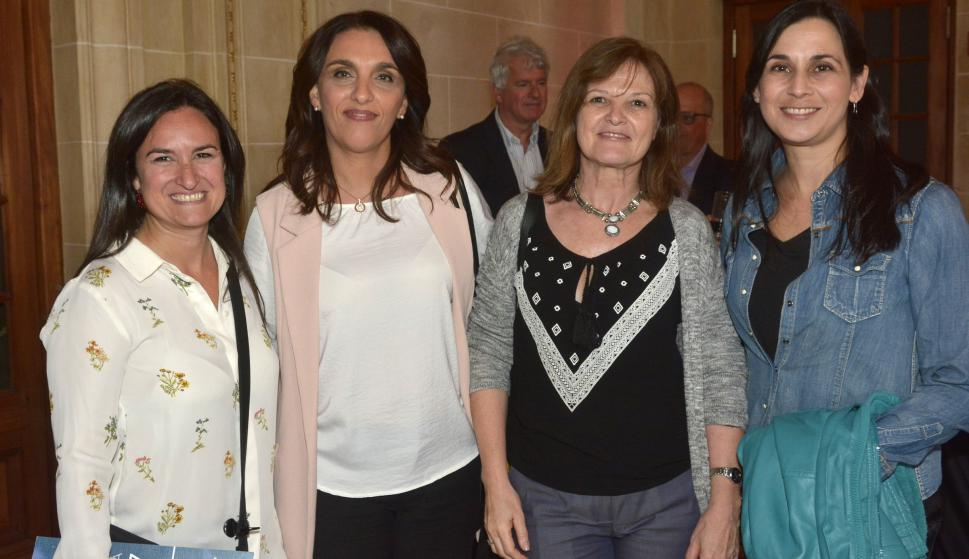 Daniela Hirschfeld, Cecilia Viola, Ana Denicola, Mariana Meerhoff.