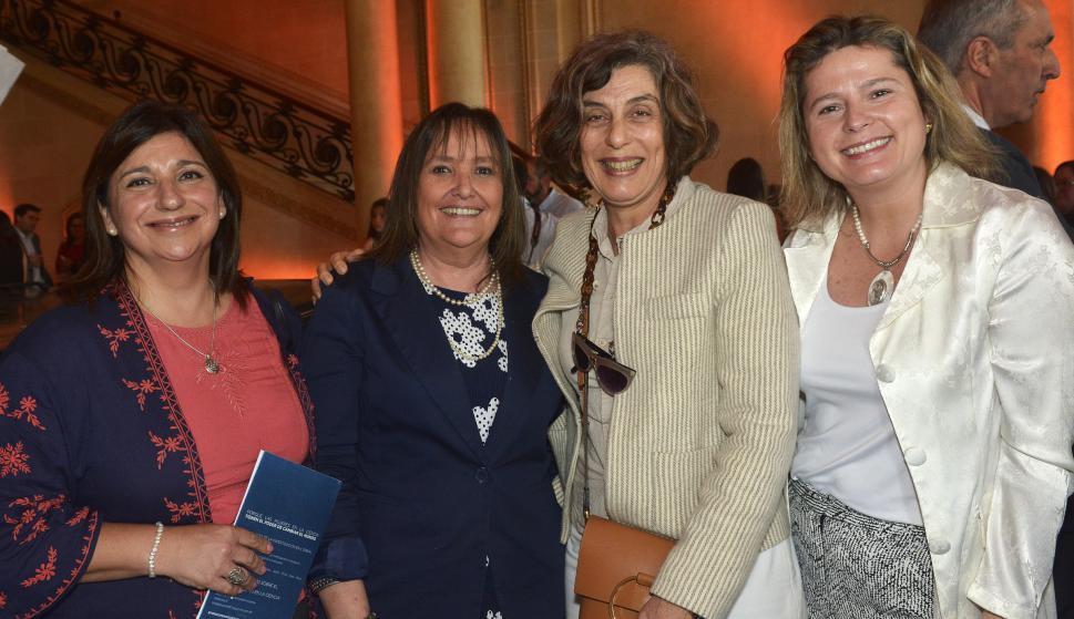 Lourdes Volpi, Ana Inés Varela, Claudia Weiss, Andrea Bellolio.