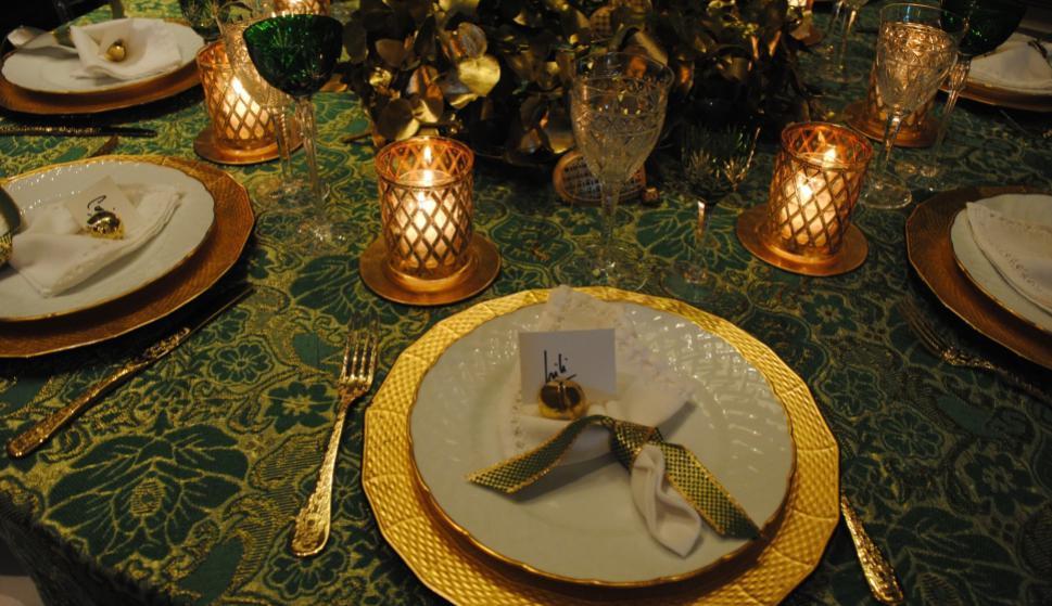 El dorado y verde como infaltables de la navidad.