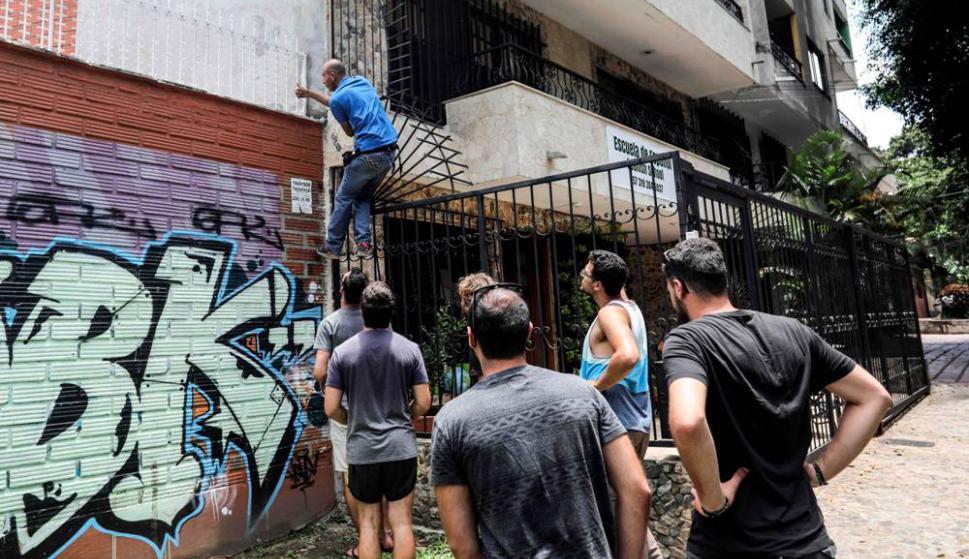 También visitan el lugar donde falleció Pablo Escobar- Foto: AFP