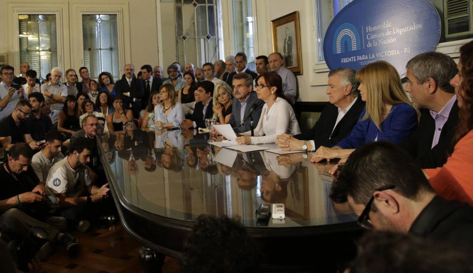 La expresidenta se presentó ayer ante los medios en la sede del Congreso. Foto: Fernando Massobrio / La Nación GDA