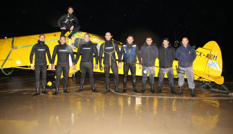 Seis buzos colaboraron en búsqueda del cuerpo de copiloto chileno. Foto: Grupo de Buceo de la Armada