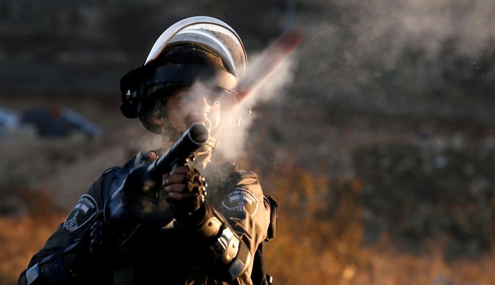 Manifestantes palestinos chocaron con las fuerzas israelíes en una jornada marcada por la violencia. Foto: Reuters