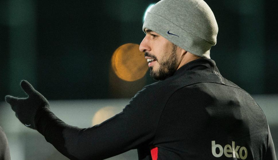 Luis Suárez en el entrenamiento de Barcelona. Foto: AFP