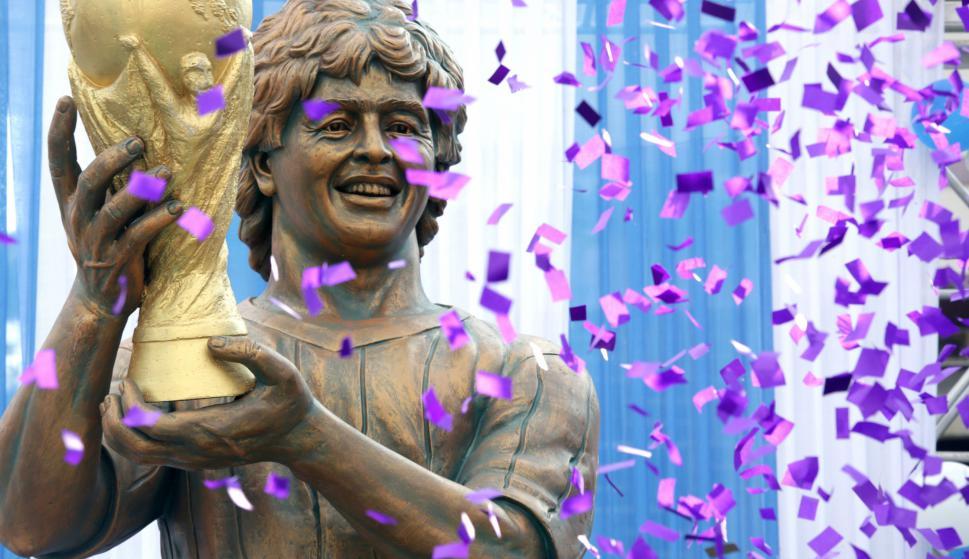 La estatua de Diego Maradona en India. Foto: EFE