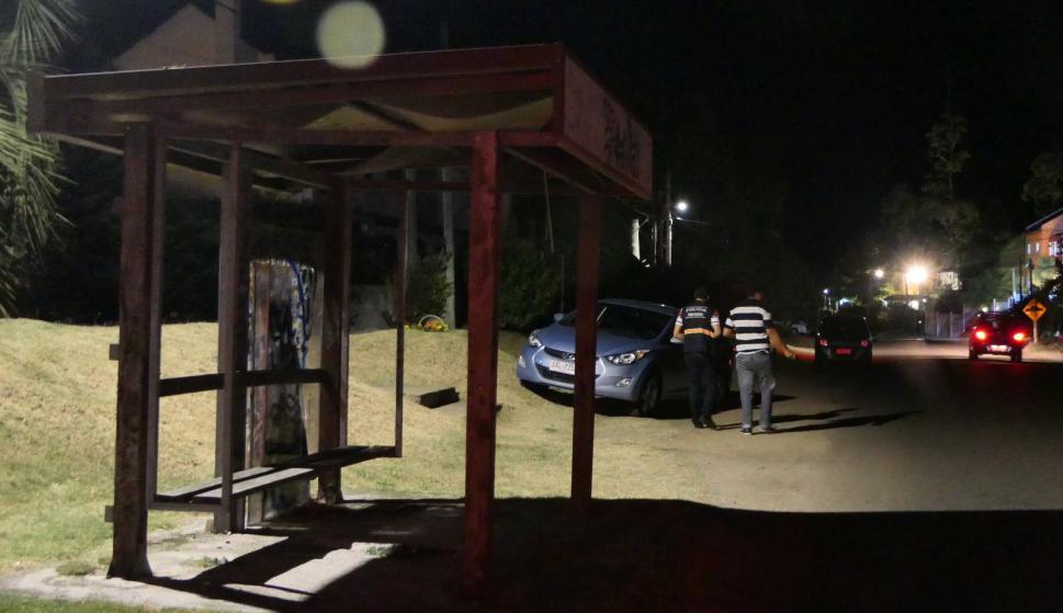 La Policía Técnica trabajaba en el lugar de la rapiña. Foto: Ricardo Figueredo